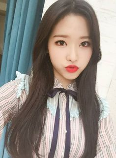 / loonatheworld: 💕 Are you listening to Olivia Hye's 'Egoist' everyday👉🏻👈🏻? Thank you for supporting her🙇🏻‍♀️ We randomly picked just one winner who will receive a polaroid picture of Olivia. South Korean Girls, Korean Girl Groups, Oppa Gangnam Style, Polaroid Pictures, Olivia Hye, Sooyoung, Seulgi, Kpop Girls, Just In Case