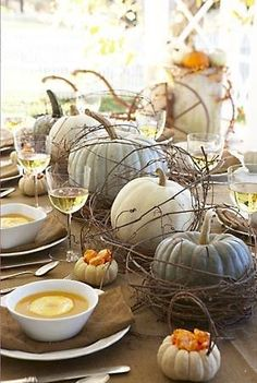 Natural Fall Table - I love Simplicity Decor in Kirkland. If you haven't been there, it's worth checking out!!
