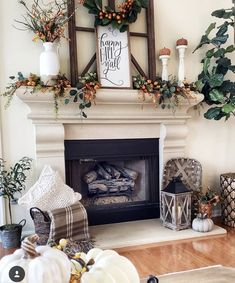 37 Perfect Fall Fireplace Decor Ideas For Your Living Room Fall Mantle Decor, Fall Home Decor, Autumn Home, Ideas For Fireplace Decor, Fireplace Modern, Fireplace Decorations, Fireplace Hearth, Elegant Home Decor, Fall Decorations