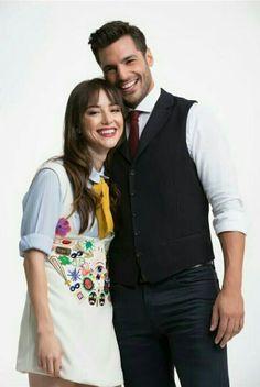 Serkan Çayoğlu Turkish Men, Turkish Beauty, Turkish Actors, Cherry Season, Handsome Actors, Summer Hats, Actor Model, Best Couple, Cute Couples