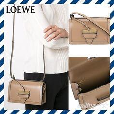 関税.送料込!!★LOEWE★Triangle Detail Shoulder Bag