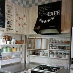 Kitchen,賃貸,狭いキッチン,ディアウォール,パタパタ扉,瓶収納,使いやすくのインテリア実例 | RoomClip (ルームクリップ)