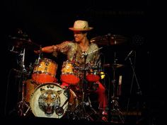 Gorilla Man getting down on his drum solo right before his encore in Columbus! #MoonshineJungleTour #July10 #Hooligan ♥