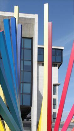 GUIL (©2014 artmajeur.com/guil) Fragment de l'oeuvre de GUIL au Palais de justice à Gela ITALIE