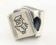 18 €. Tuich de plata LIBRO hecha a mano. cod. 186.