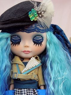 Glamorous Rock Knight ~ love the colors!      #doll #blythe