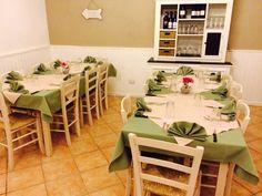 """Arredo Pub Bar Ristoranti Pizzerie MAIERON SNC www.mobilificiomaieron.it - https://www.facebook.com/pages/Arredamenti-Pub-Pizzerie-Ristoranti-Maieron/263620513820232 - 0433775330. Allestimento Arredamenti Ristorante Pizzeria """"Doppio Zero"""" a CastelNuovo di Porto. Tavoli 120x80 in legno color Avorio con piano in melaminico color grigio cod 2001/120, sedie in legno massello cod 3011/L seduta legno coloro Avorio. Tutto Produzione Mobilificio maieron arredamento pub, bar, ristoranti e pizzerie"""