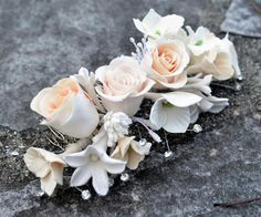 Heirloom Bouquets & Sculpted Floral Keepsakes {Bridal Accessories} | Confetti Daydreams