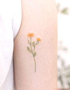 60 cute and small tattoos for girls tattoo and piercings flo Mini Tattoos, Dainty Tattoos, Pretty Tattoos, Cute Tattoos, Beautiful Tattoos, Body Art Tattoos, Tatoos, Grace Tattoos, Elegant Tattoos