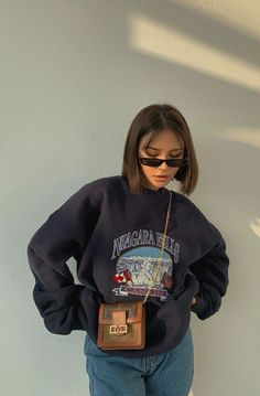 Aesthetic Fashion, Aesthetic Clothes, Look Fashion, 90s Fashion, Korean Fashion, Fashion Blouses, Teen Fashion Outfits, Aesthetic Vintage, Office Fashion