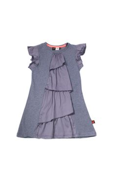Molo kids heather frill dress is a simple yet beautiful dress for the girls. This soft A-line dress made from high quality cotton, has a pretty frill detail that runs from top to bottom and girly frilled sleeves. Stylish and simple this is great Scandinavian design.