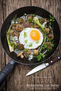St George's Mushrooms with Fried Duck Egg, Green Garlic and Spring Onion (replace sherry sauce with dairy-free, sherry vinegar-based vinaigrette) Duck Recipes, Egg Recipes, Chicken Recipes, Cooking Recipes, Healthy Recipes, Game Recipes, Duck Eggs, Wild Garlic, Healthy Grains