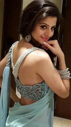Vedika Hot In Backless Saree Blouse Photos South Indian Actress - Actress Low Hip Saree Photos Choli Designs, Sari Blouse Designs, Blouse Back Neck Designs, Indian Attire, Indian Wear, Indian Style, Indian Ethnic, Sonam Kapoor, Deepika Padukone