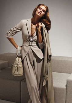 Max Mara, Spring 2010 - beautiful suit - needs better coverage under :)