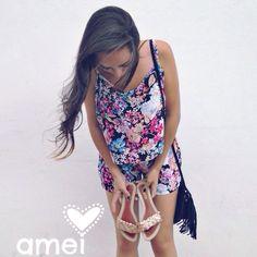 Conjuntinho, Cropped + shorts floral curtindo o look com rasteirinha Liker