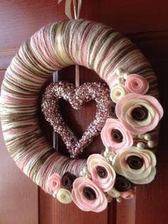 Fios Grinalda Handmade decoração de feltro 12in-de-rosa e por SasiRose, $ 35,00 por Beverley