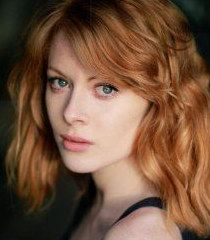 Emily Beecham Film actress Emily Beecham is an English film, television and stage actress. She is best known for her roles in The Street and The Village. In 2011 she received Best Actress award at London Independent Film Festival. Beautiful Redhead, Beautiful Celebrities, Beautiful Actresses, Most Beautiful Women, Portrait Art, Portrait Photography, Emily Beecham, Into The Badlands, Shades Of Red Hair