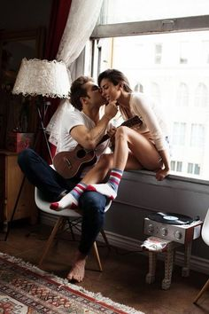 How sweet and perfect is this moment (forgetting of course that they're… Romantic Love, Hopeless Romantic, Romantic Couples, Cute Couples, Love Amor, Love Kiss, My Love, Just You And Me, Just In Case