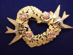 VTG. JJ JONETTE PINK ENAMEL & GOLD TONE PAIR OF DOVE BIRDS HEART/FLOWER…