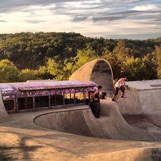 Skatopia @billy_bones #midwesttour #loco - @landyachtzlongboards- #webstagram