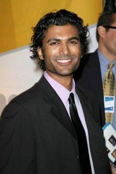 Sendhil Ramamurthy Something about him...