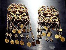 Artefactos de oro de la Saka en Bactria, en el sitio de Tillia tepe.