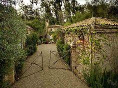 http://2.bp.blogspot.com/-MQM2JoNFaBE/UMTdXJkiqEI/AAAAAAAAH3U/oWBEOVnUKZg/s640/farmhouse_design_by_penelope_bianchi_02-1024x768.jpg
