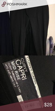 NWT.  Curvy Capri.  20w. 20w. Curvy Capri. Pants Capris