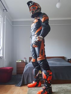 My new supermoto outfit Motocross Outfits, Mx Boots, Latex Men, Bike Leathers, Nike Air Max Tn, Motorcycle Suit, Bikers, Motorbikes, Suits