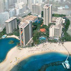 Waikiki Beach, HI Hilton Hawaiian Village Waikiki Beach Resort.....We Stayed in that Beautiful Rainbow Building
