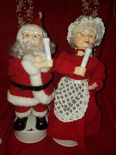 """Vintage Christmas Display Figurines Mr. & Mrs. Claus Musical 15"""" by VintageBarnYard on Etsy"""