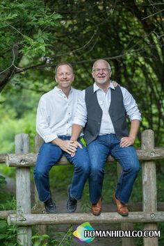 George & Brad | London, Ontario | Stoney Creek // Same Sex Photoshoot by Roman Hidalgo Photography