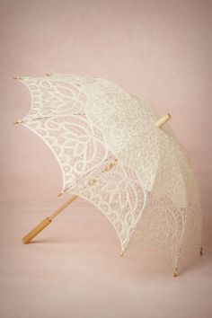 Vintage Inspiration: Vintage umbrella for wedding decor or bride's accessory #accessories #umbrella #lace