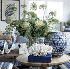 20 Pretty Blue and White Tabletop Designs You Need. / 20 Pretty Blue and White Tabletop Designs You Need. Absolutely stunning blue and white tableop designs you can easily implement. Get inspired with easy to copy blue and white table top design. White Living Room, Decor, Table Top Design, Ginger Jars, Blue Furniture, Blue And White, Blue Decor, Blue And White Living Room, White Decor