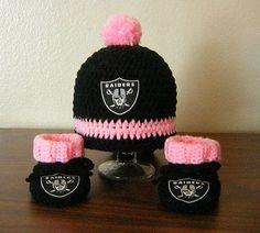 NFL OAKLAND RAIDERS GIRL'S HANDMADE CROCHET BABY HAT/BEANIE & BOOTIES: 0-3 mos