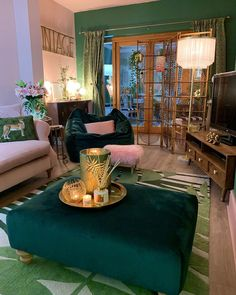Living Room Green, Home Living Room, Living Room Designs, Living Room Decor, Bedroom Decor, Casas Shabby Chic, Aesthetic Rooms, Home Decor Inspiration, Decor Ideas