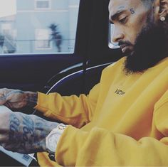 This is crazy I don't even live in LA and I feel there pain!Ermias was an amazing dude and did his job on this earth Lauren London Nipsey Hussle, Handsome Black Men, Black Artwork, California Love, Hip Hop Fashion, Black Love, Celebs, Celebrities, Man Crush
