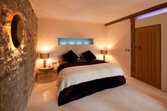 Red Kite Barn - Luxury unique holiday cottage in Wales – contemporary property in secluded, private location near Builth Wells, Wales UK. sleeps 6.