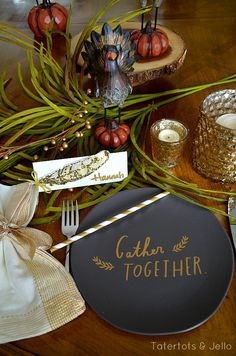 Thanksgiving Home Tour & FREE Feather Placecards Printables!! -- Tatertots and Jello #DIY #bloggerstylinhometours