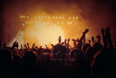 There's just something about the classic songs. The ones you remember with fond memories. Here are the top 5 best throwback songs. World Music, Dubstep, Instru Rap, Throwback Songs, Concerts In London, Wallpapers Tumblr, Rap Metal, Free Concerts, Music Concerts