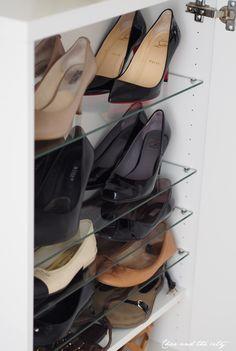 It´s all about shoe storage on the blog: http://divaaniblogit.fi/charandthecity/2014/09/16/ikea-besta-kenkakaappi/