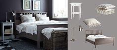 Harmaanruskea HEMNES-sänky, valkoinen HEMNES-yöpöytä ja nikkelöity BAROMETER-työvalaisin