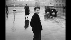 Chico en Leningrado, 1958, Duane Michals. Cortesía de DC Moore Gallery, Nueva York. © Duane Michals.