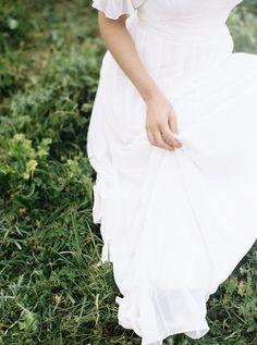 Flowing Bohemian Wedding Dress for a Rustic Engagement Shoot | Taralynn Lawton Photography | http://heyweddinglady.com/misty-rustic-bohemian-engagement-shoot/