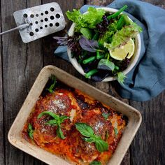BAKED FREE RANGE CHICKEN PARMIGIANA & GARDEN SALAD. You can't beat the classic flavour combination of a parmi. We've made ours a little healthier with free range chicken breasts baked in the oven with two cheeses and a mixed leaf & green bean side salad. 30 Minutes. Gluten Free. Just 368cal Per Serve. Healthy Family Favourite.