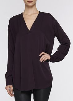 Vince TRAPUNTO-STITCH DOUBLE V-NECK BLOUSE