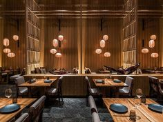 Kioku Restaurant, Four Seasons Hotel Kioku Restaurant, Four Seasons Hotel by AFSO / André Fu Cafe Restaurant, Restaurant Oriental, Japanese Restaurant Interior, Design Bar Restaurant, Japanese Interior Design, Restaurant Lighting, Cafe Interior, Cafe Bar, Restaurant Interiors