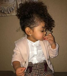 Mini fashionista @quenisha.qiana WEBSITE - WWW.KIDZOOTD.COM #KidsFashionHair