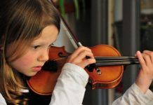 Musical training before age 7 can benefit brain function for a lifespan. Gross Motor Activities, Gross Motor Skills, Early Education, Music Education, Music And The Brain, Infant Lesson Plans, Music Articles, Daycare Forms, Developmental Psychology