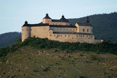 The Krásna Hôrka Castle - Slovakia. Castle Gate, Castle House, Small Castles, Gothic Castle, Renaissance Fashion, Main Attraction, Fortification, Kirchen, 18th Century